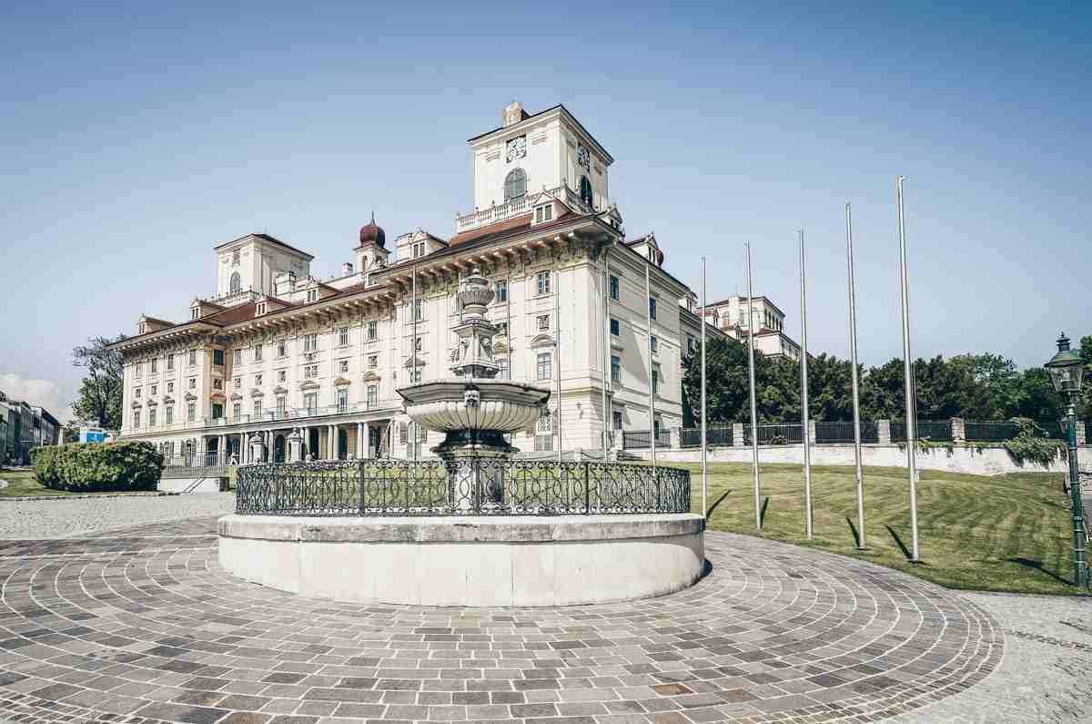 Things to see in Eisenstadt: Exterior of the lovely Esterházy Palace