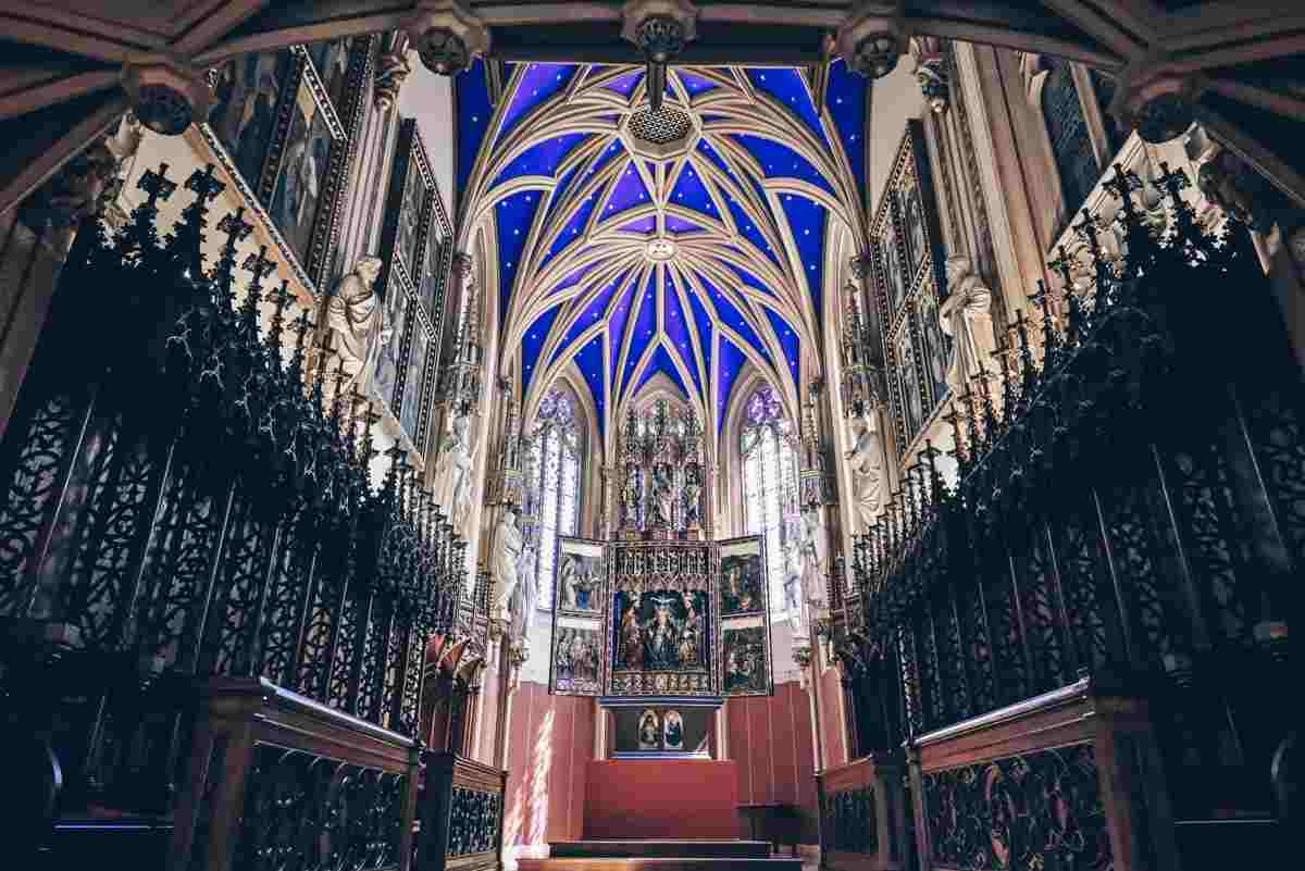 The Neo-Gothic chapel with a rich cobalt-blue ceiling at Grafenegg Castle. PC: Richard Banary - Dreamstime.com