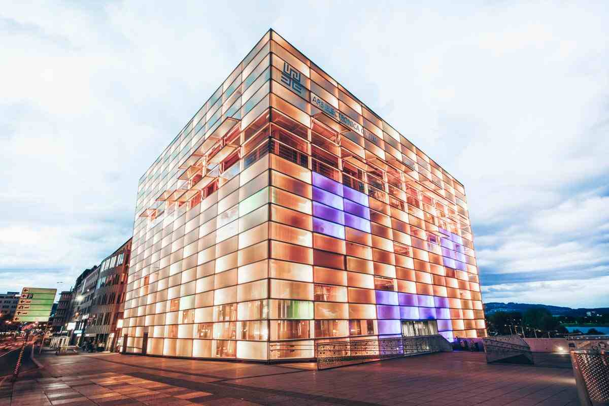 Must-see Linz: The cutting-edge Ars Electronica Center. PC: saiko3p/shutterstock.com