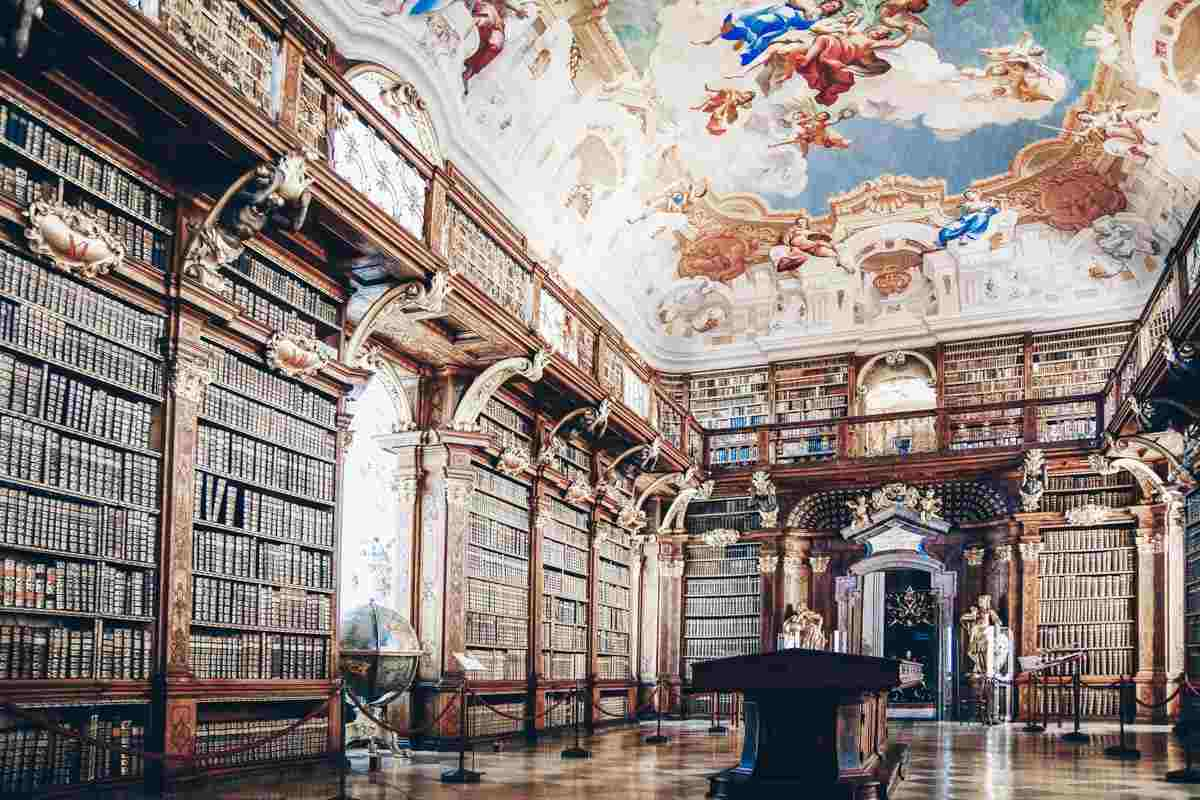 Ceiling frescoes and ancient books of the Melk Abbey library. PC: Igor Plotnikov/shutterstock.com
