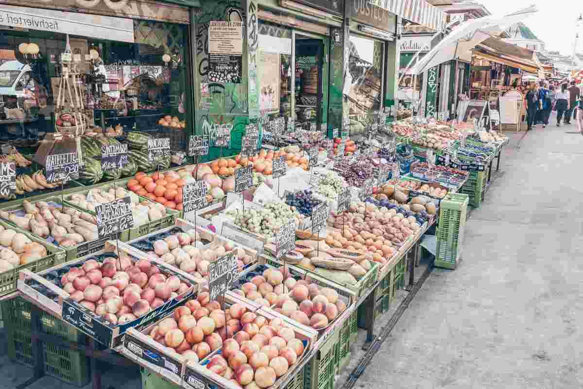 Exotic fruits and vegetables on display at the Naschmarkt in Vienna. PC: Pedro Rufo/shutterstock.com