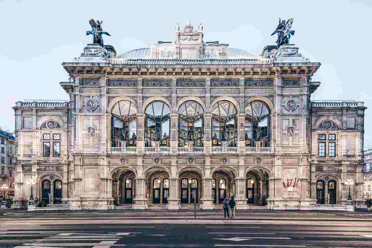 The grandiose Italian Renaissance exterior of the Vienna Opera House