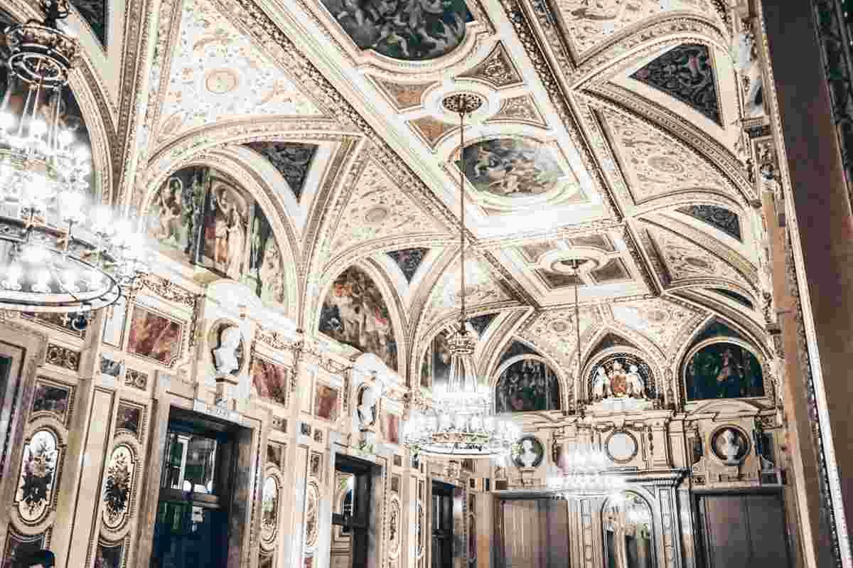 Grand interior of the Schwind Foyer of the Vienna Opera House. PC: Anna Nakonechna - Dreamstime.com