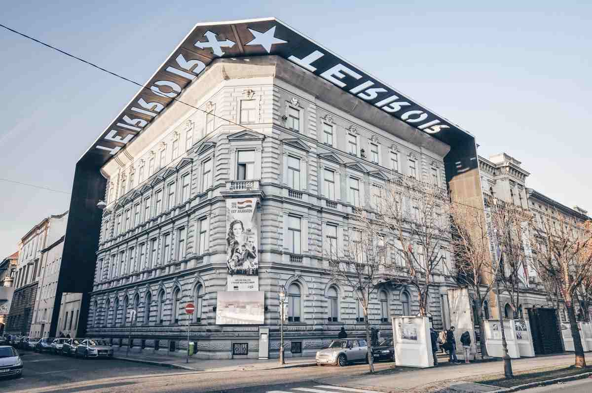 The ominous House of Terror building on Andrassy Avenue in Budapest. PC: Adam Szuly/shutterstock.com