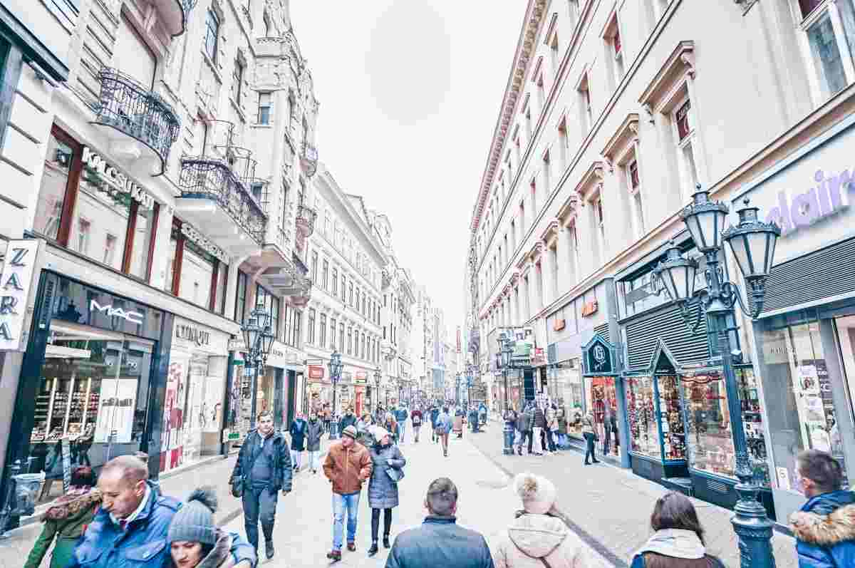 People strolling along the bustling Vaci Street in Budapest. PC: Ivan Milanković - Dreamstime.com