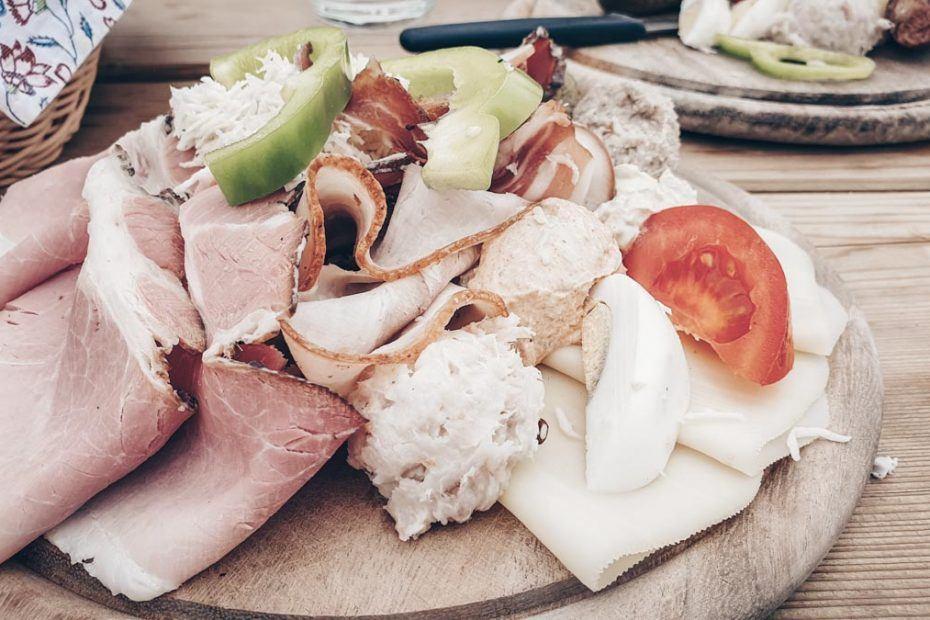 Austrian Cuisine: The famous Brettljause board