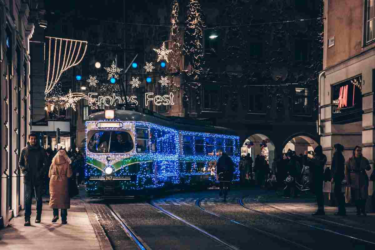 Advent Tram in Graz