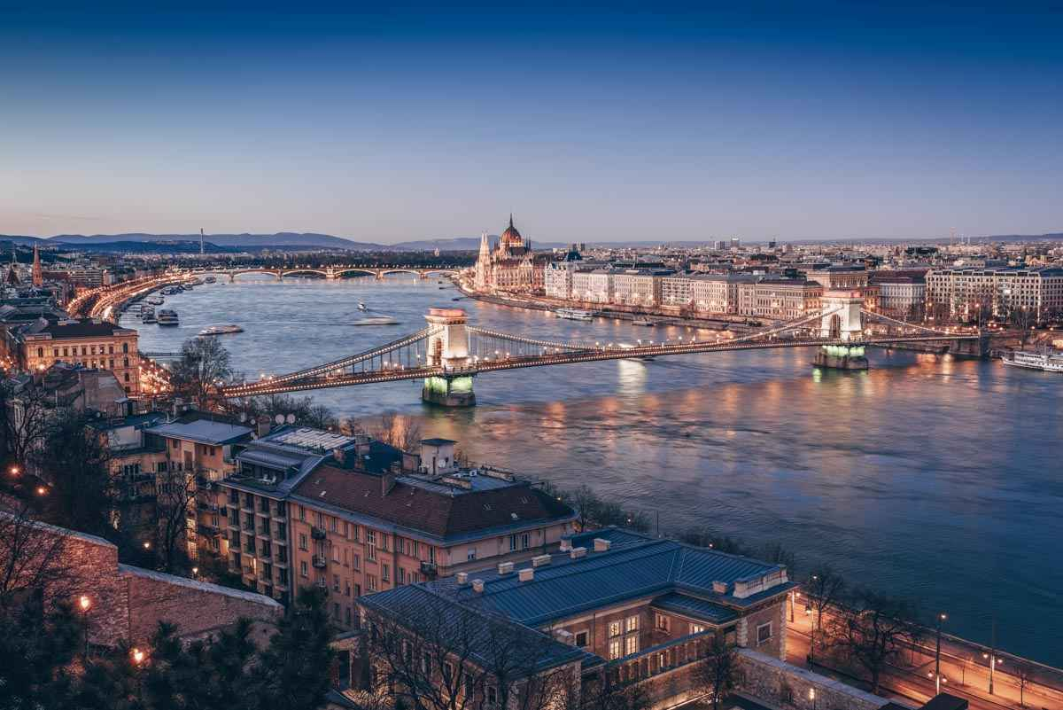 What to see in Budapest: Evening view of the Danube River and the Szechenyi Chain Bridge