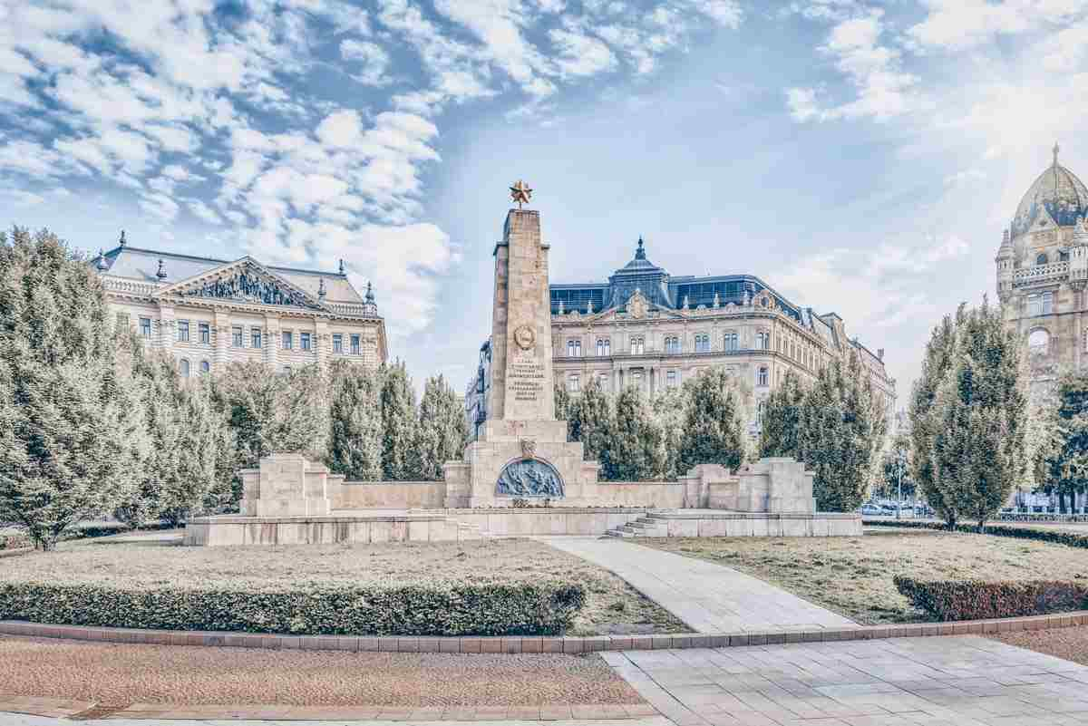 Budapest sights: The impressive Soviet War Memorial in Liberty Square