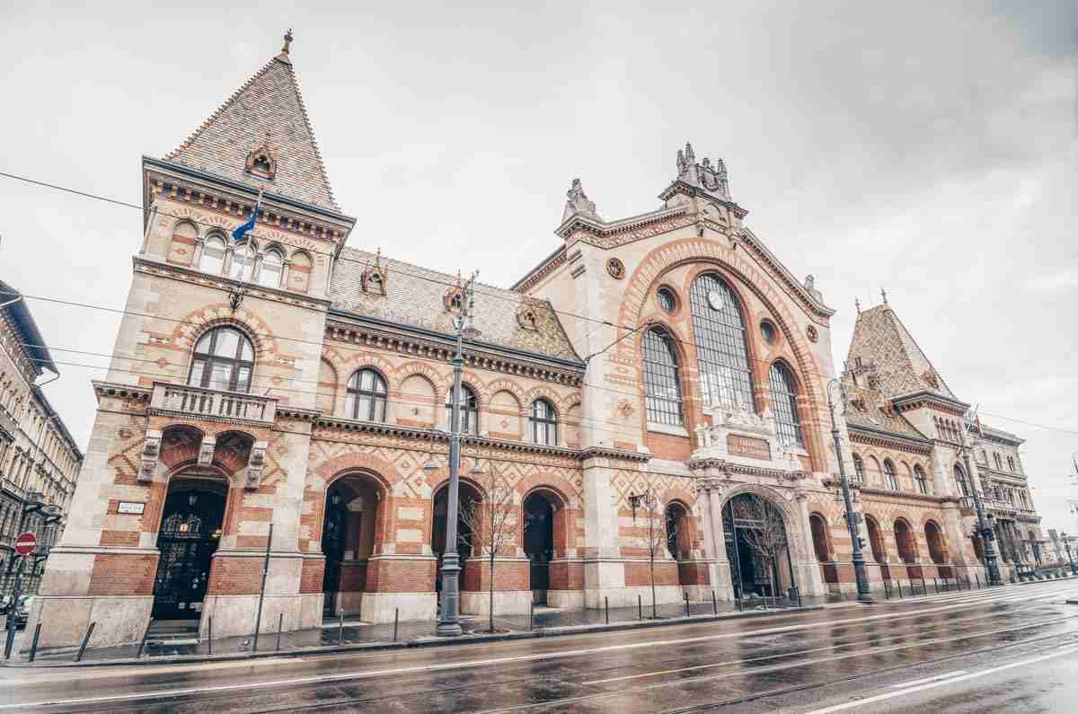 What to see in Budapest: Exterior of the famous Great Market Hall. PC: Yury Dmitrienko - Dreamstime.com