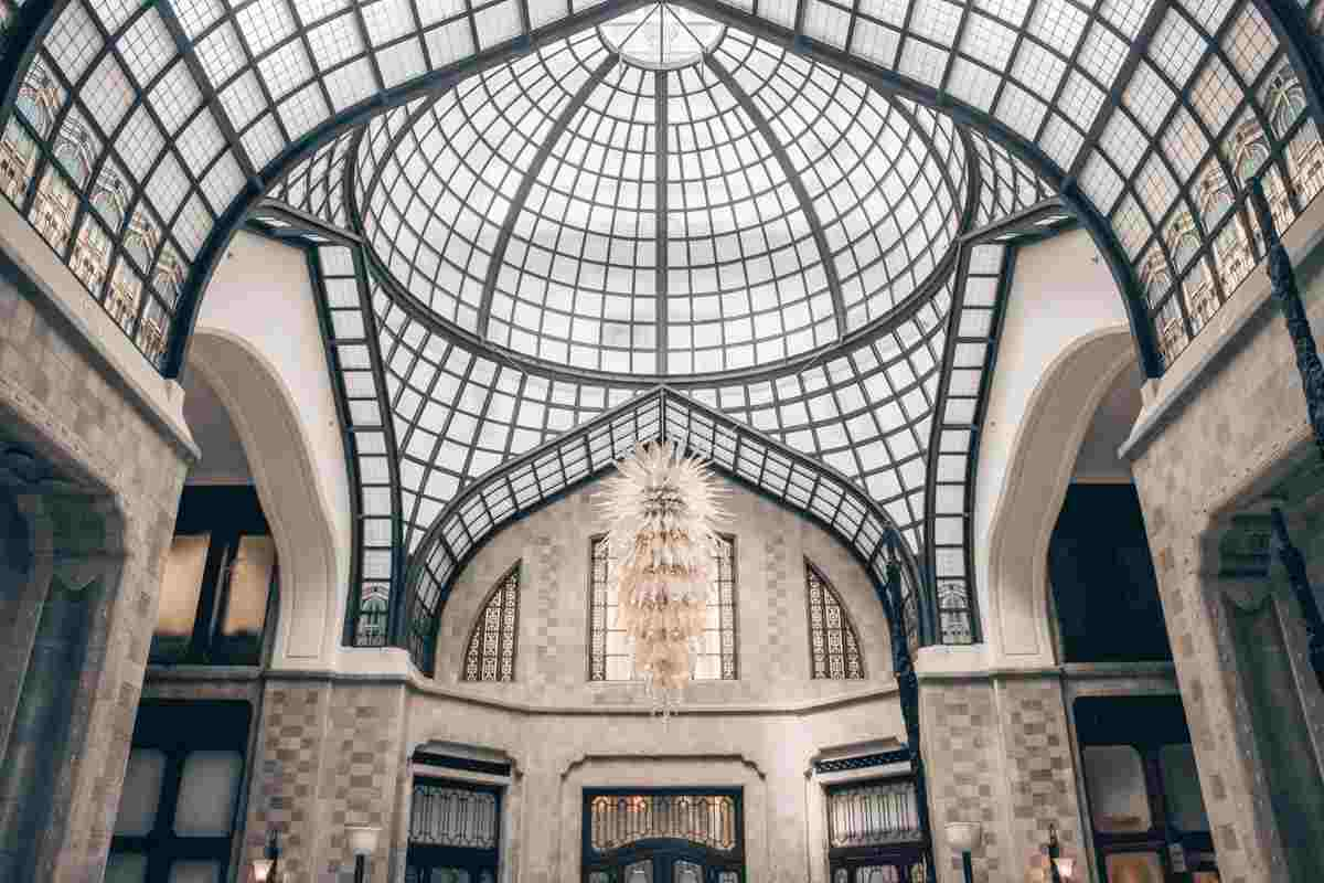 What to see in Budapest: Art Nouveau interior of the Gresham Palace