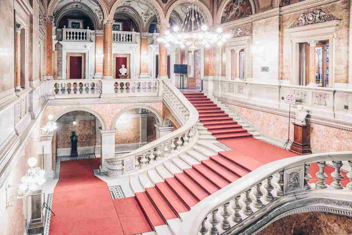 Budapest attractions: The sweeping main staircase and huge chandelier of the Hungarian State Opera