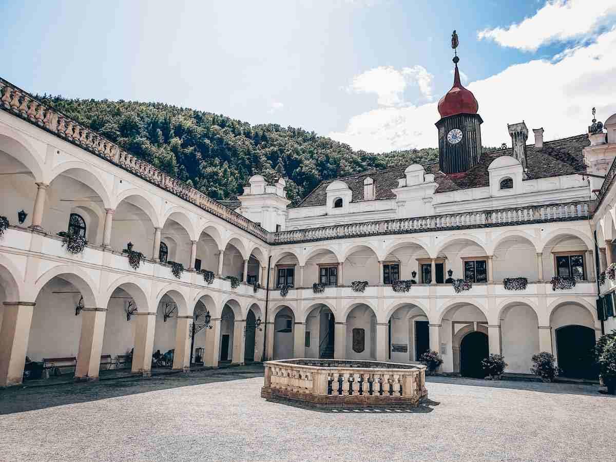 Steiermark Sehenswürdigkeiten: Der florentinische Innenhof des Schloss Herbersteins