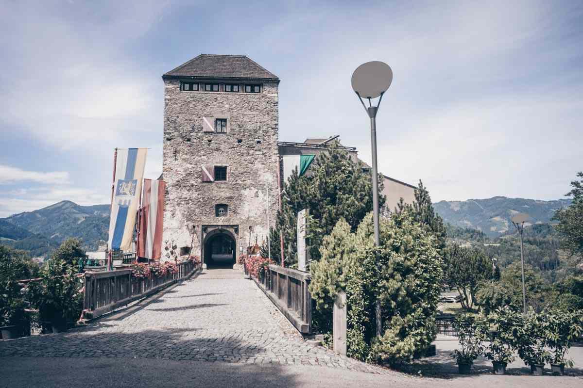Steiermark Sehenswürdigkeiten: Die Burg Oberkapfenberg