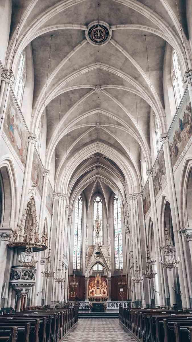 Graz Sehenswürdigkeiten: Das stützenfreie Innere der Herz-Jesu-Kirche