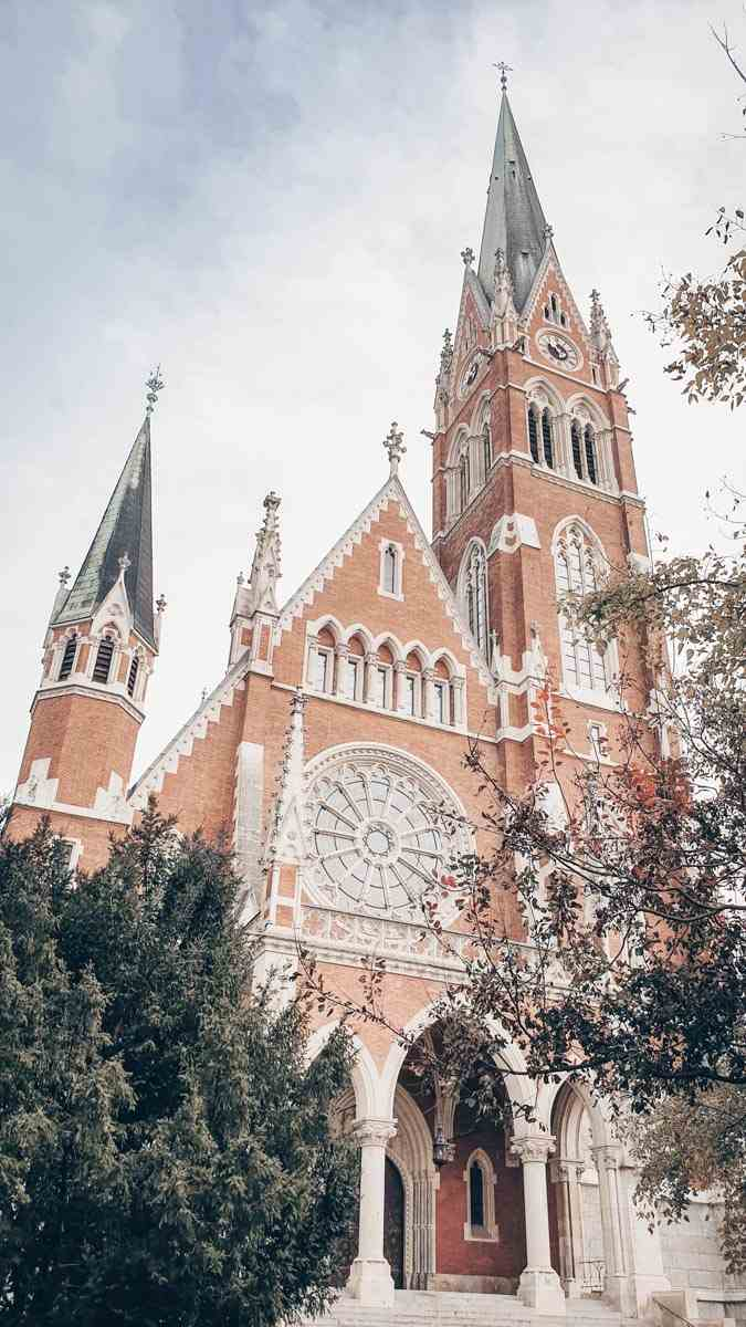 Sightseeing Graz: The lovely red-brick Neo-Gothic Church of the Sacred Heart of Jesus