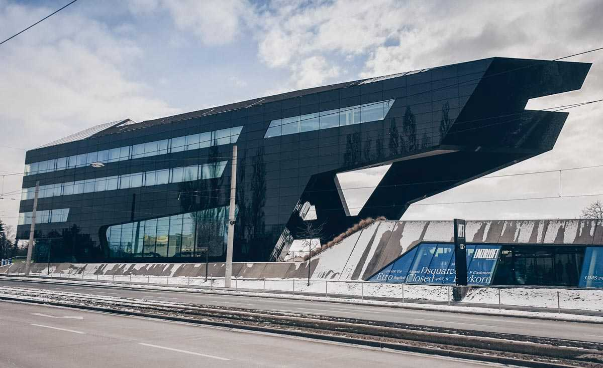 Graz architecture: The eye-catching and sleek black exterior of the MP09 Commercial & Office Building