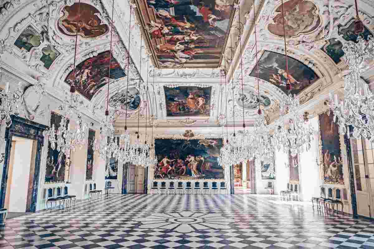 Der prächtige Planetensaal in Schloss Eggenberg, Graz. PC: Allie Caulfield from Germany, CC BY 2.0 <https://creativecommons.org/licenses/by/2.0>, via Wikimedia Commons