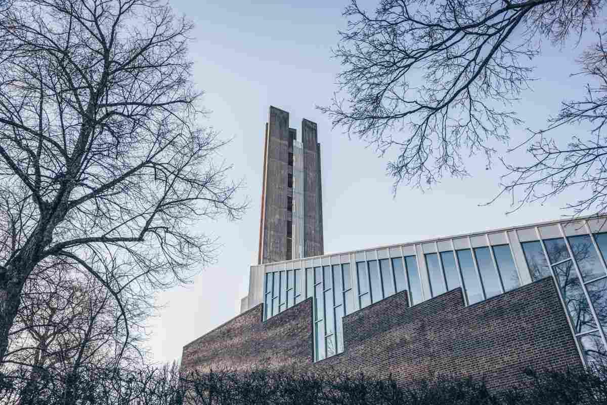 Lahti: Church of the Cross, designed by Alvar Aalto. PC: Stas Knop/Shutterstock.com
