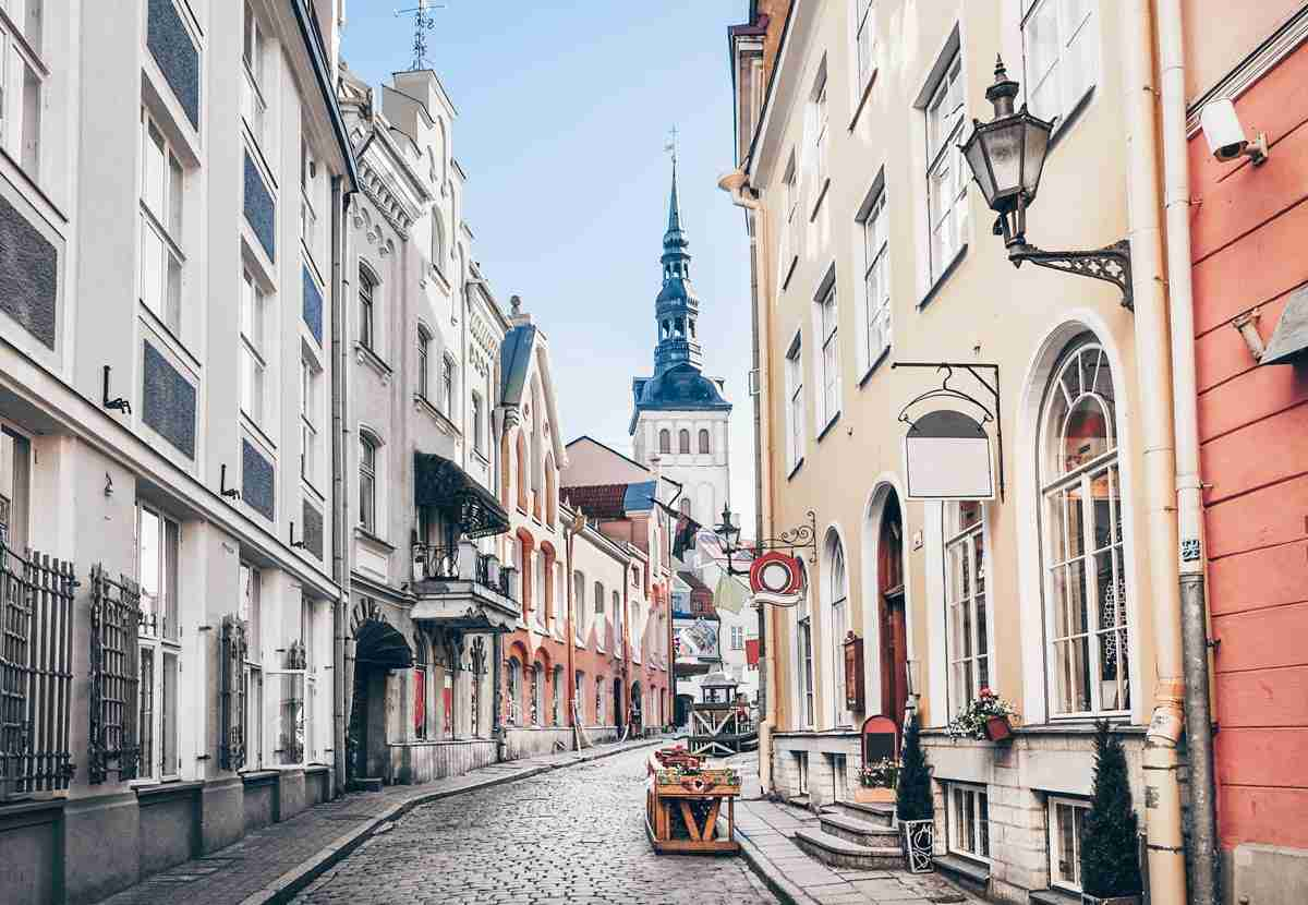 Things to see in Tallinn: A quiet, cobblestone street in the Old Town