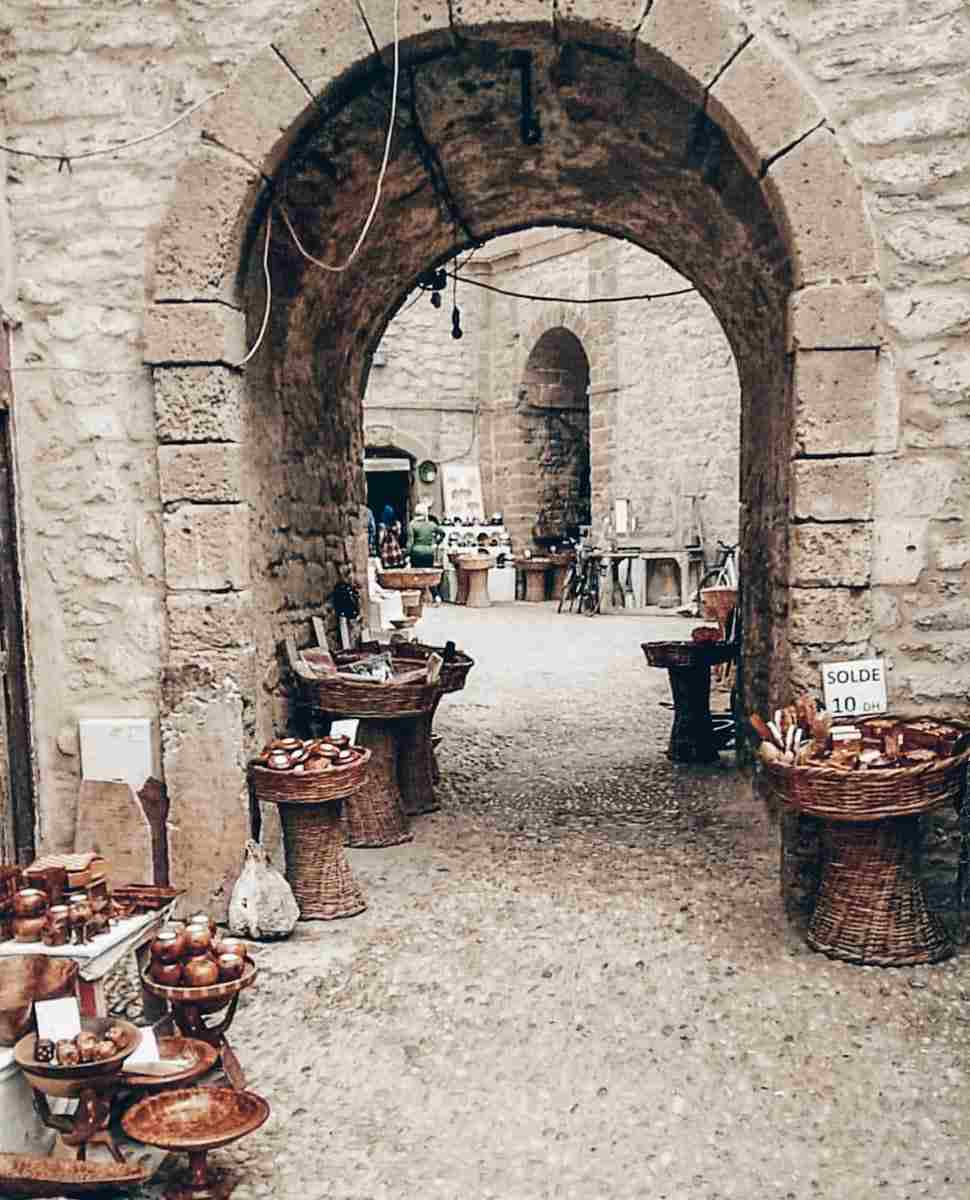 Essaouira: Exquisite wooden products in the wood-carving ateliers of the medina. PC: Bibobhj, CC BY-SA 4.0 <https://creativecommons.org/licenses/by-sa/4.0>, via Wikimedia Commons