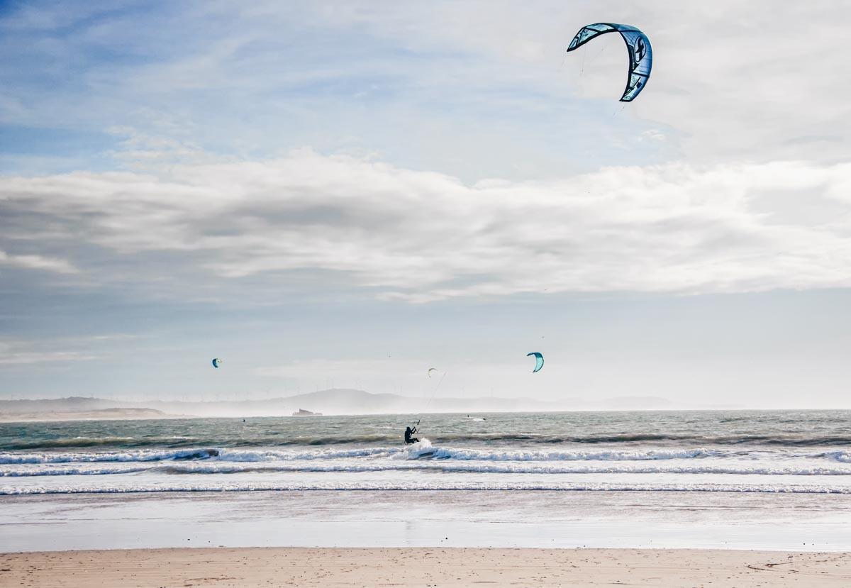 Essaouira: Kitesurfers in the Atlantic Ocean