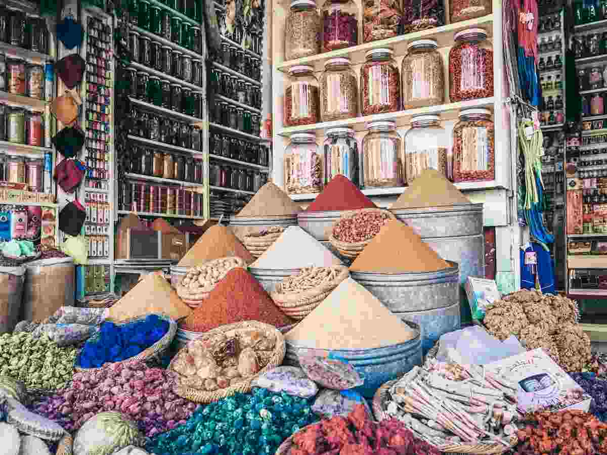 Marrakech Souks: Pyramidal mounds of colourful spices on display. PC: Viajamochileando - Dreamstime.com