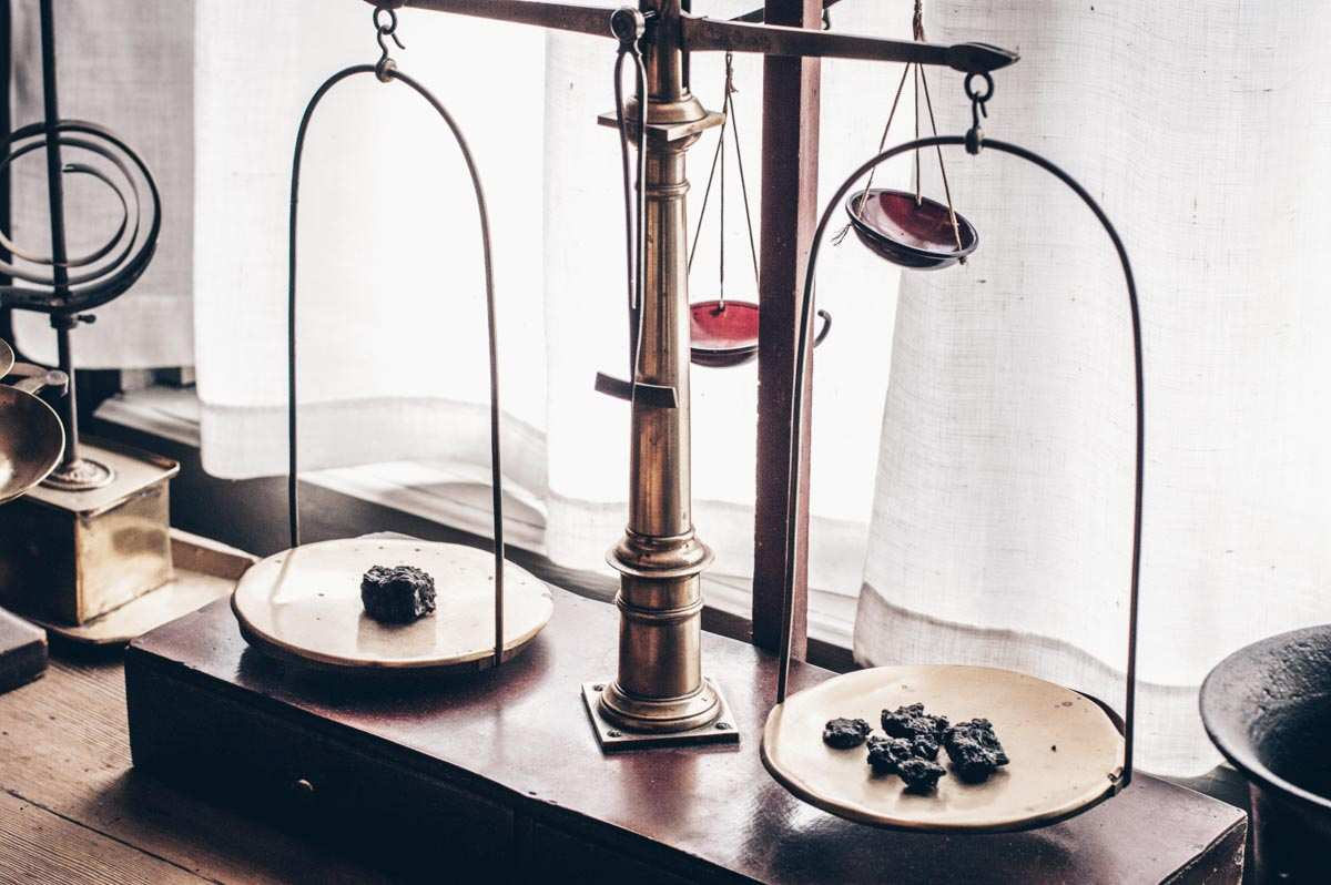 Turku: Antique measuring scales at the Pharmacy Museum.