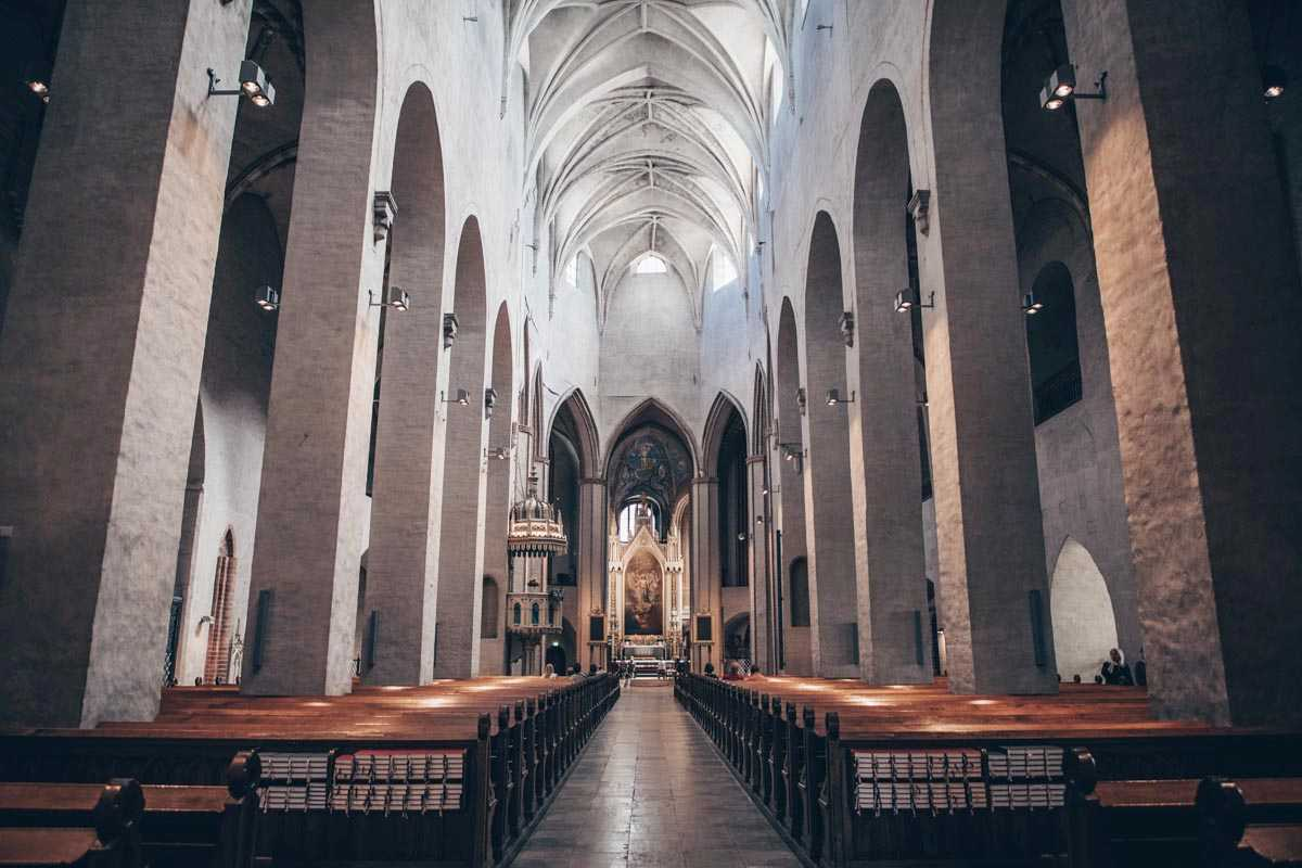 Turku: The cavernous but spartan interior of Turku Cathedral. PC: Evelyn Jackson/Shutterstock.com